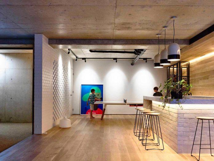 mckimm-designs-modern-concrete-family-home-wolseley-26