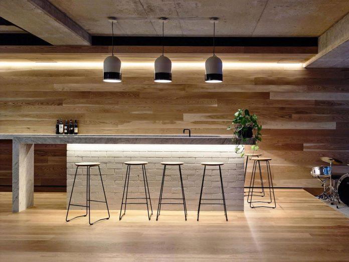 mckimm-designs-modern-concrete-family-home-wolseley-27