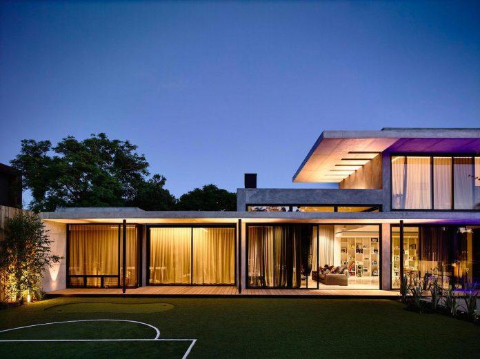 mckimm-designs-modern-concrete-family-home-wolseley-30
