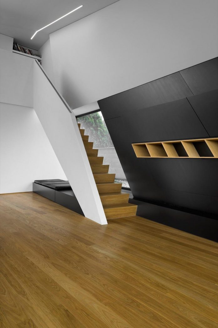 minimalist-home-design-located-south-sloping-plot-residential-part-prague-16