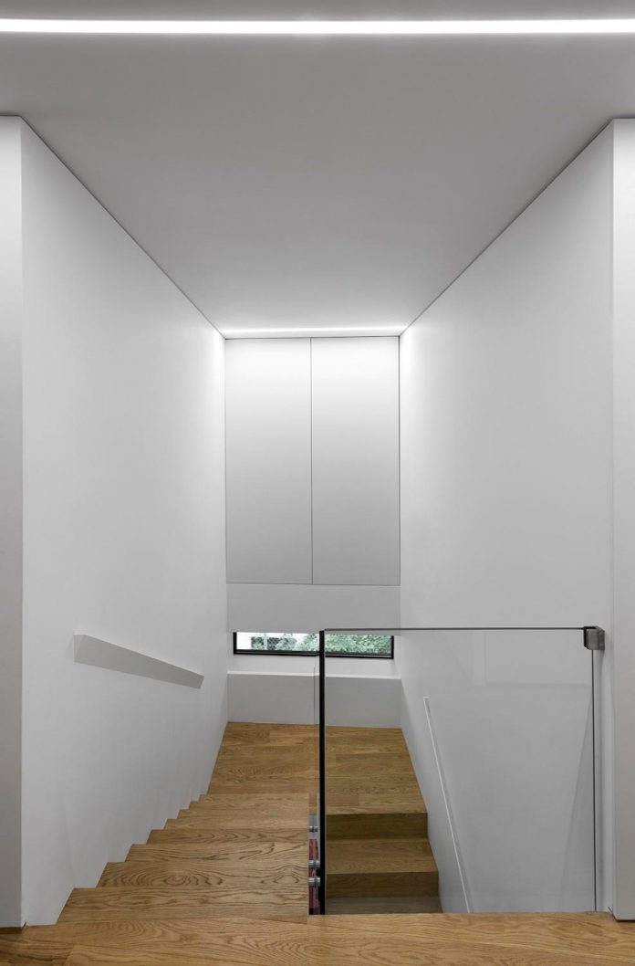 minimalist-home-design-located-south-sloping-plot-residential-part-prague-20