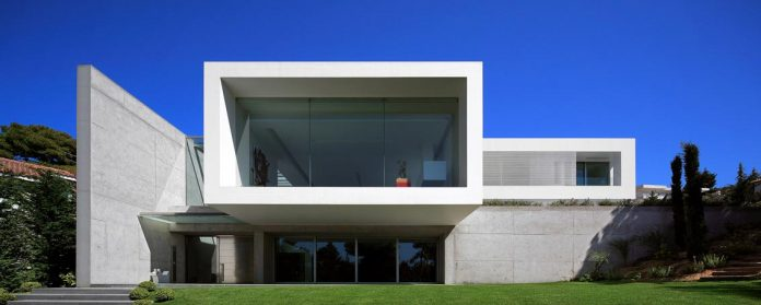 modern-villa-154-created-serve-two-purposes-living-spaces-exhibition-space-art-collection-03