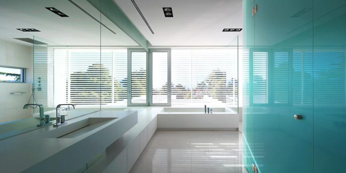 modern-villa-154-created-serve-two-purposes-living-spaces-exhibition-space-art-collection-08