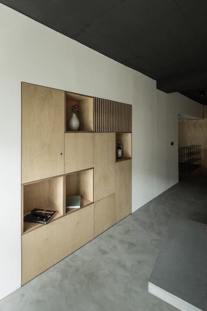 office-designed-idea-simplicity-beauty-uses-wood-concrete-bit-metal-10
