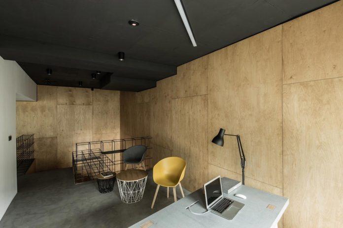 office-designed-idea-simplicity-beauty-uses-wood-concrete-bit-metal-11