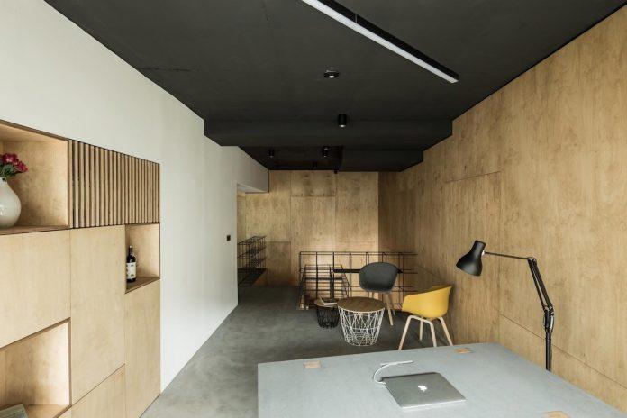 office-designed-idea-simplicity-beauty-uses-wood-concrete-bit-metal-12