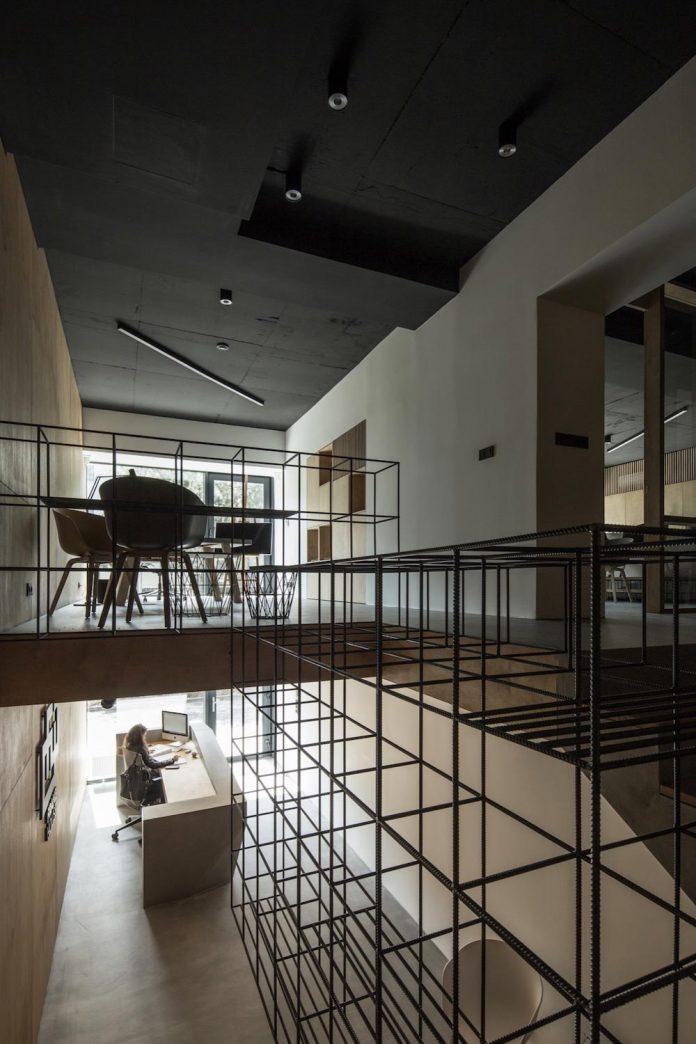 office-designed-idea-simplicity-beauty-uses-wood-concrete-bit-metal-14