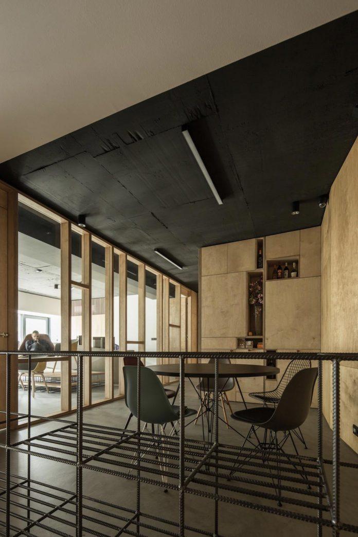 office-designed-idea-simplicity-beauty-uses-wood-concrete-bit-metal-17