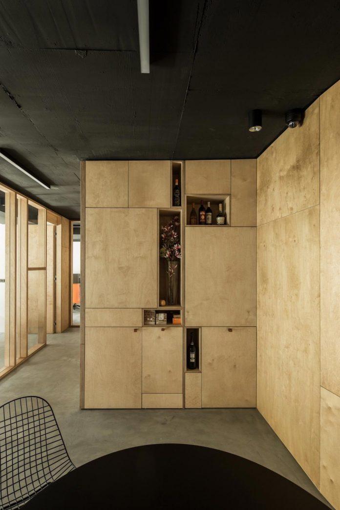 office-designed-idea-simplicity-beauty-uses-wood-concrete-bit-metal-19