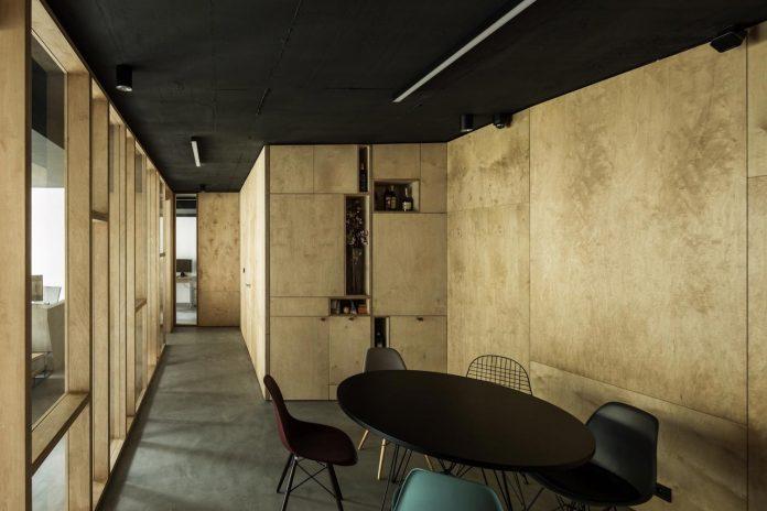 office-designed-idea-simplicity-beauty-uses-wood-concrete-bit-metal-21