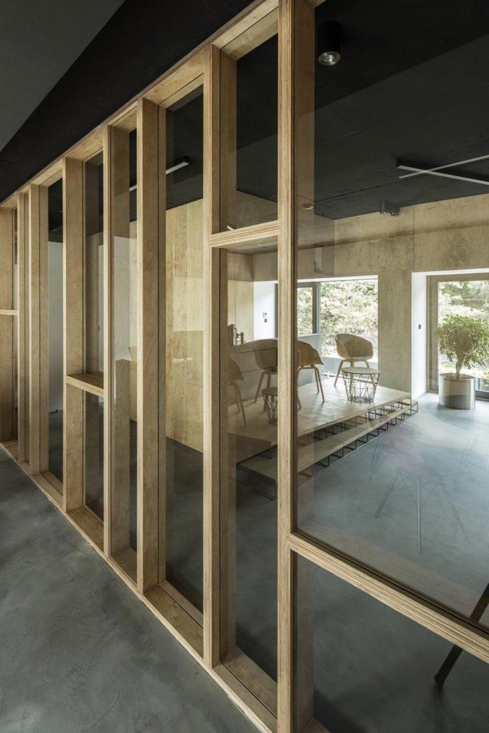 office-designed-idea-simplicity-beauty-uses-wood-concrete-bit-metal-25