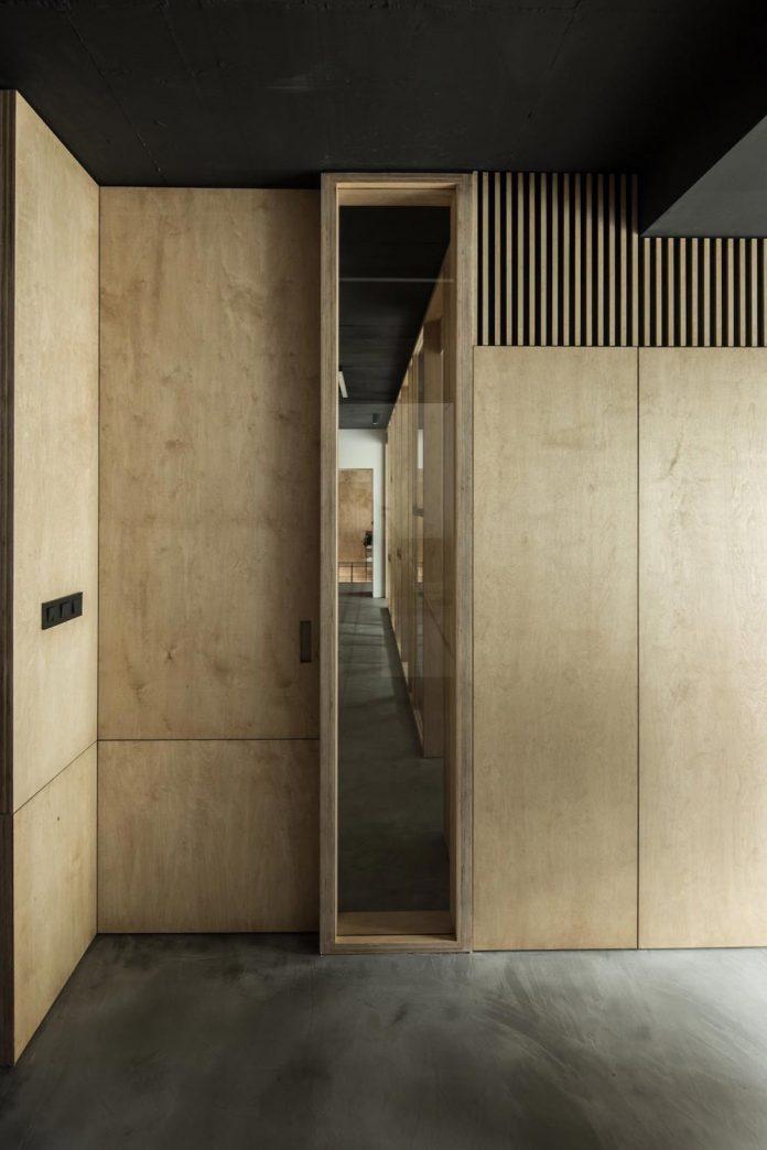office-designed-idea-simplicity-beauty-uses-wood-concrete-bit-metal-29