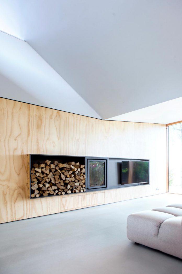 old-bungalow-gets-modern-renovation-maximizing-use-light-sun-restful-views-08