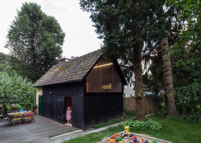 old-outbuilding-became-writers-workshop-garden-room-guests-childrens-paradise-07