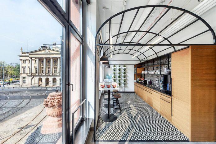 opera-software-wroclaw-combine-non-corporate-atmosphere-prestigious-location-along-piece-history-17