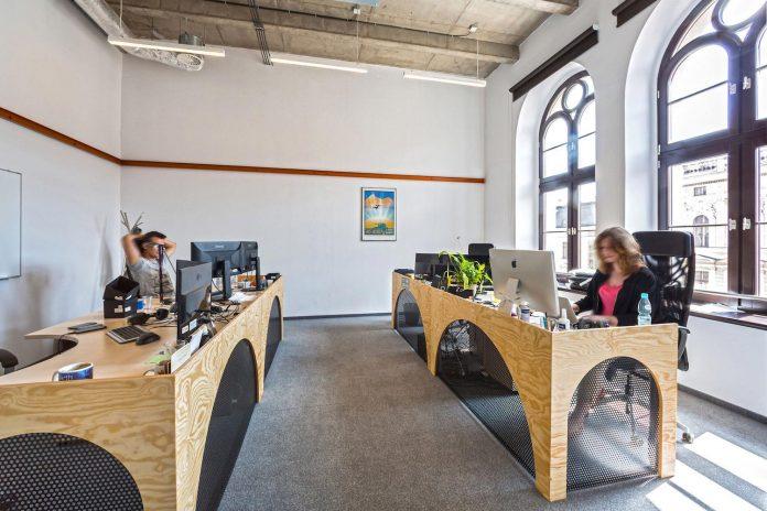 opera-software-wroclaw-combine-non-corporate-atmosphere-prestigious-location-along-piece-history-44