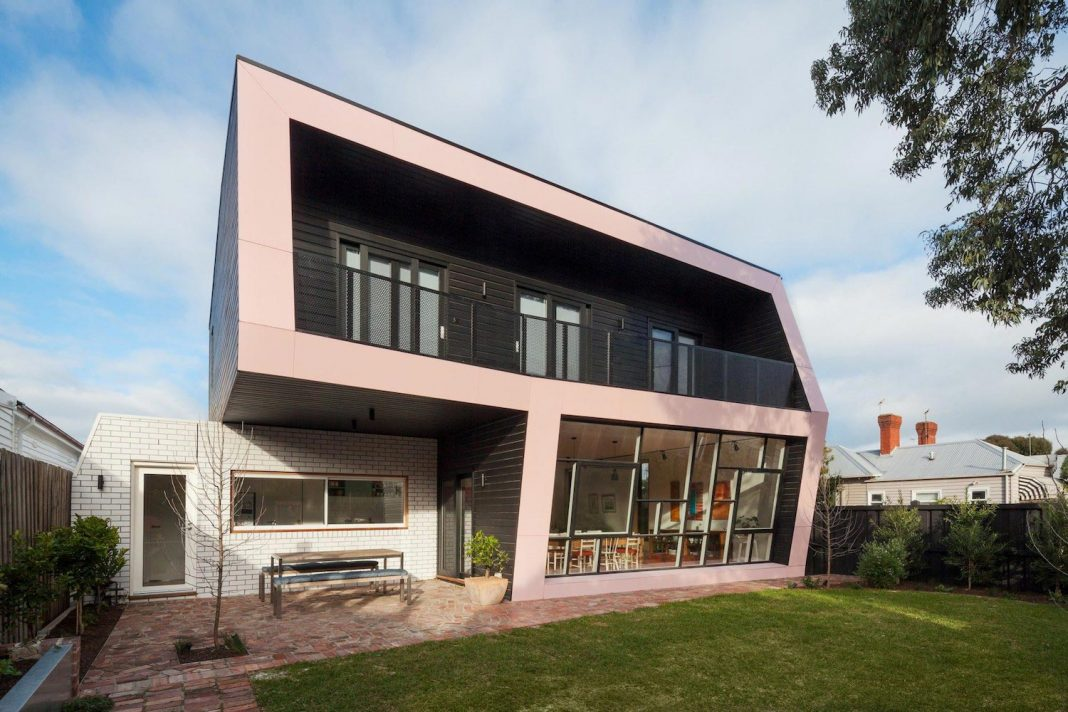 Reconfiguration and extension of an edwardian weatherboard for Home architecture melbourne