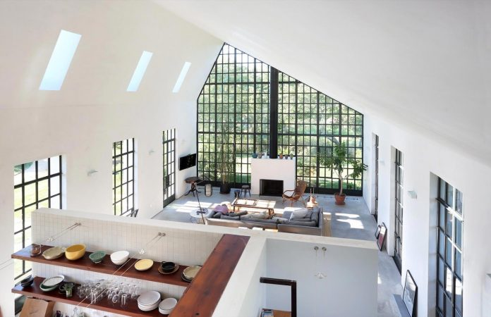 reminiscent-old-farmhouse-simple-shape-open-space-plan-new-york-loft-09