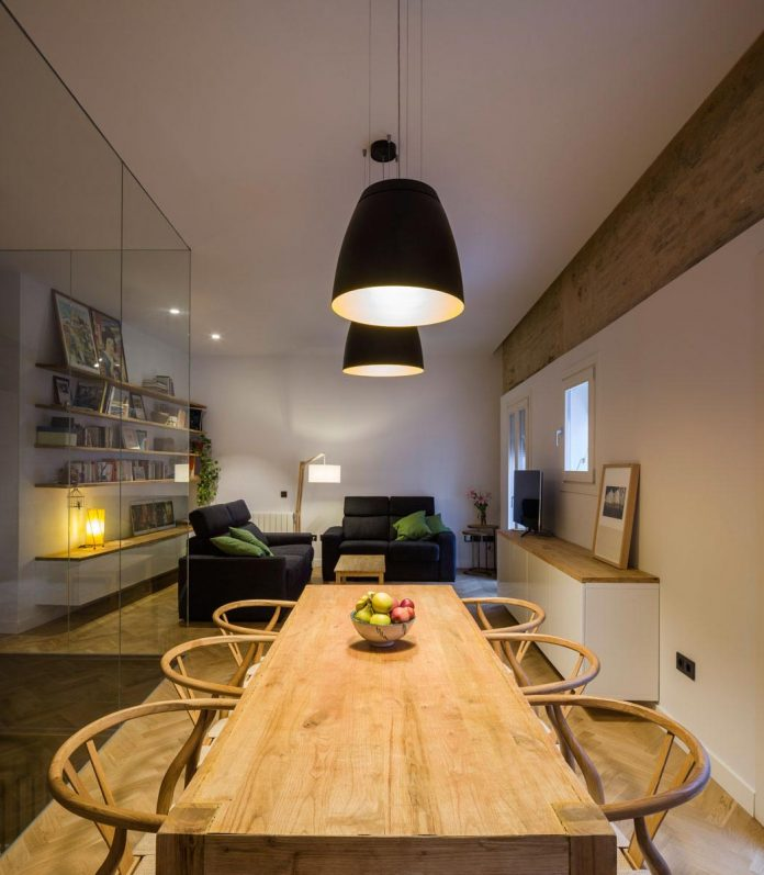 renovation-focuses-creating-modern-functional-house-old-city-center-seville-08