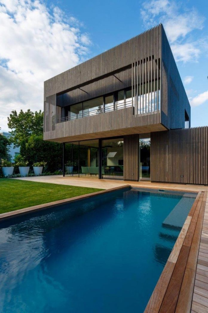 residence-situated-middle-block-buildings-created-satisfy-family-needs-01