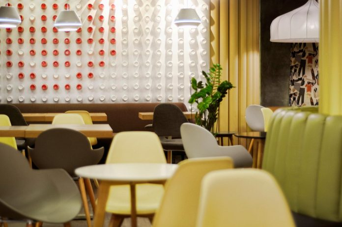 retro-futuristic-interior-redcup-coffeeshop-opened-sochi-03
