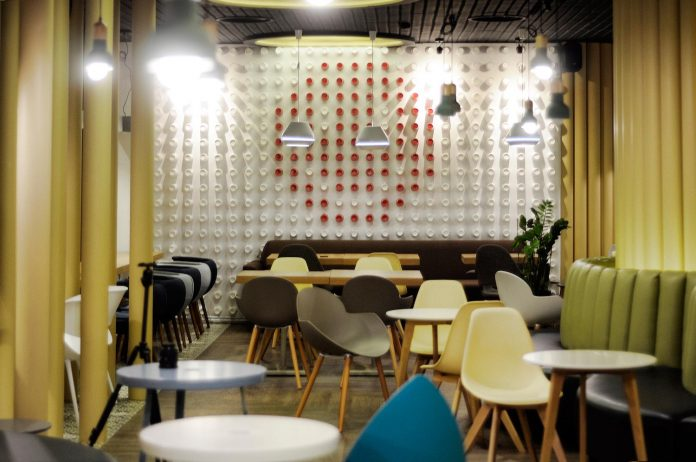 retro-futuristic-interior-redcup-coffeeshop-opened-sochi-06