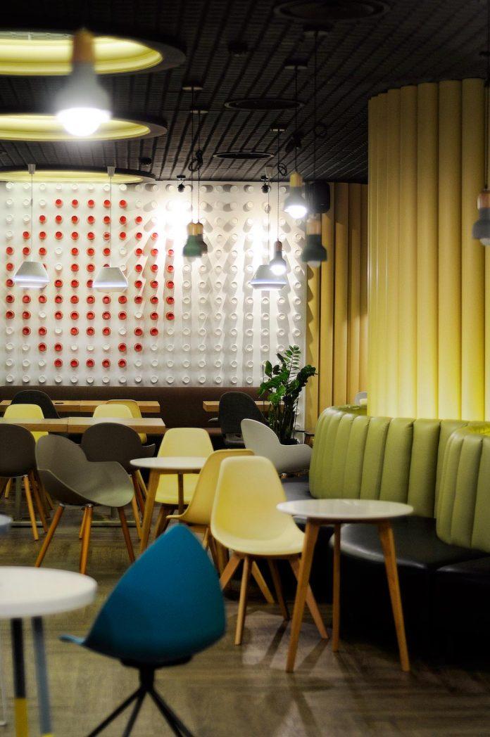 retro-futuristic-interior-redcup-coffeeshop-opened-sochi-07