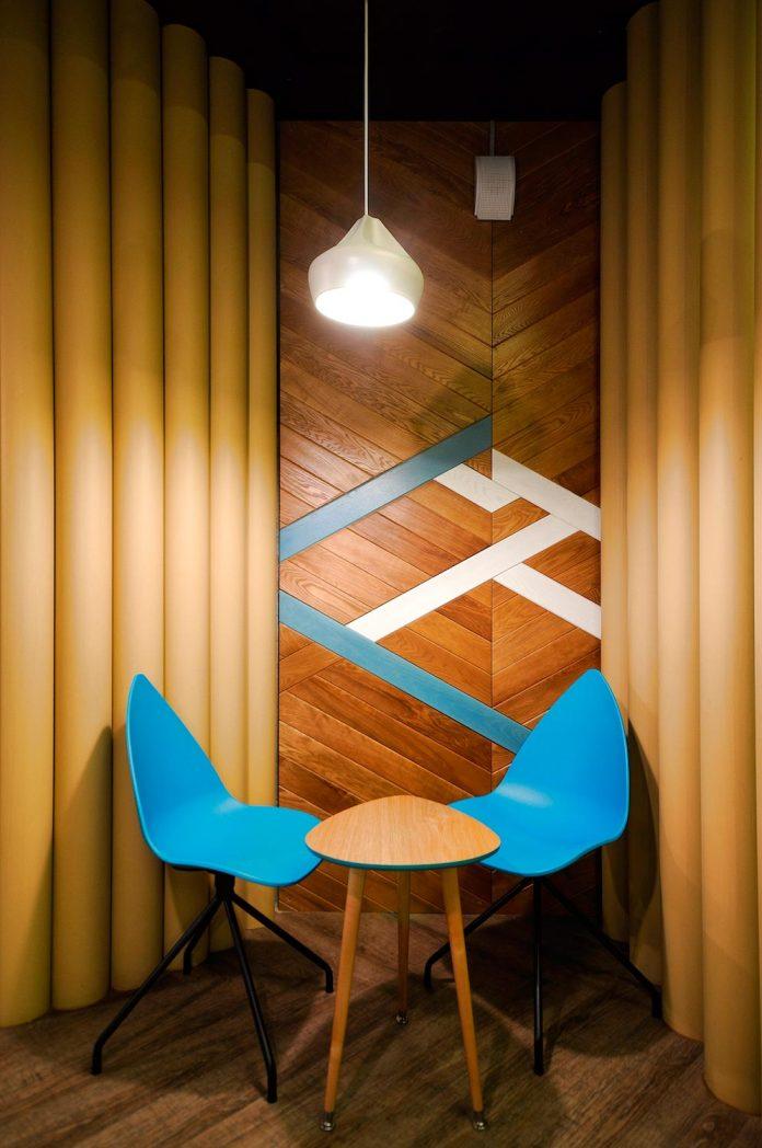 retro-futuristic-interior-redcup-coffeeshop-opened-sochi-13