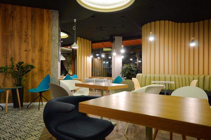 retro-futuristic-interior-redcup-coffeeshop-opened-sochi-14