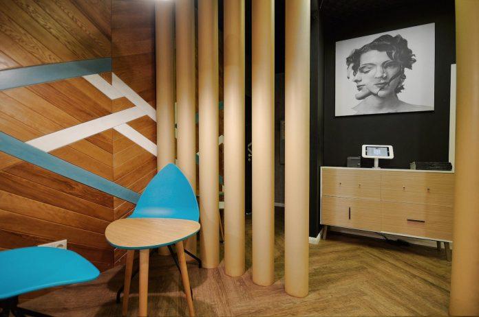 retro-futuristic-interior-redcup-coffeeshop-opened-sochi-16