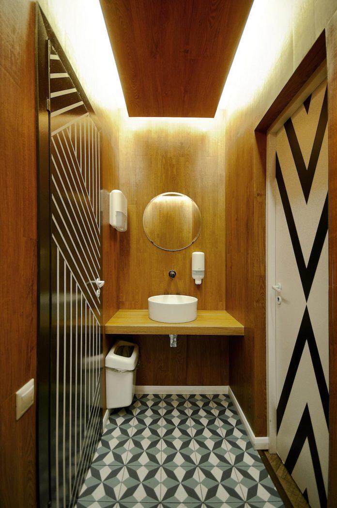 retro-futuristic-interior-redcup-coffeeshop-opened-sochi-17