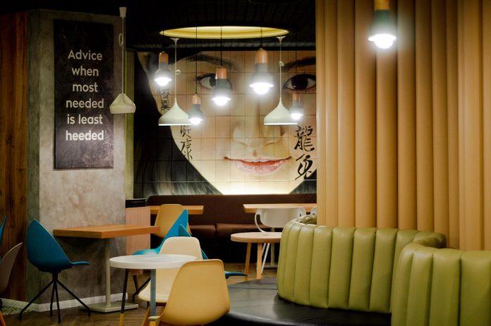 retro-futuristic-interior-redcup-coffeeshop-opened-sochi-18