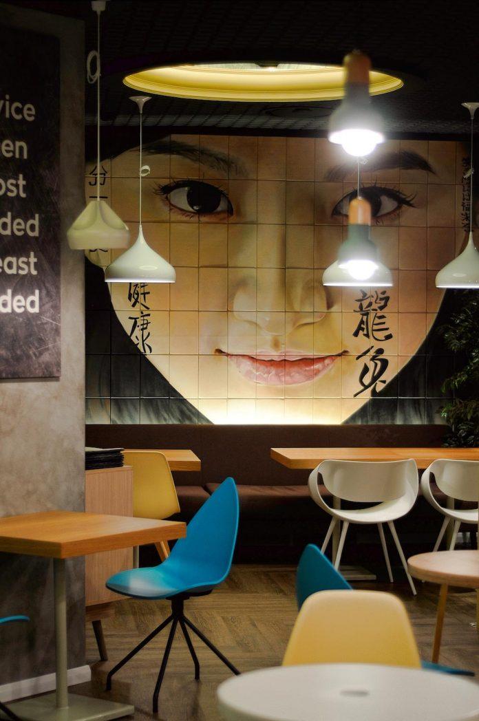 retro-futuristic-interior-redcup-coffeeshop-opened-sochi-19