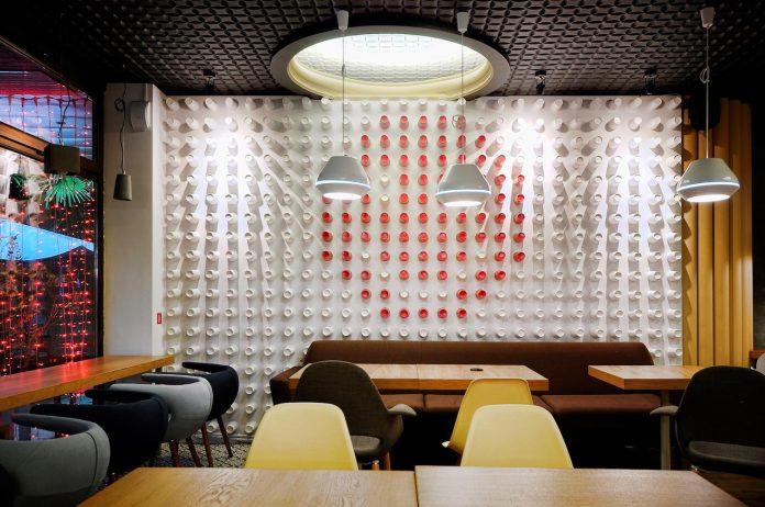 retro-futuristic-interior-redcup-coffeeshop-opened-sochi-26