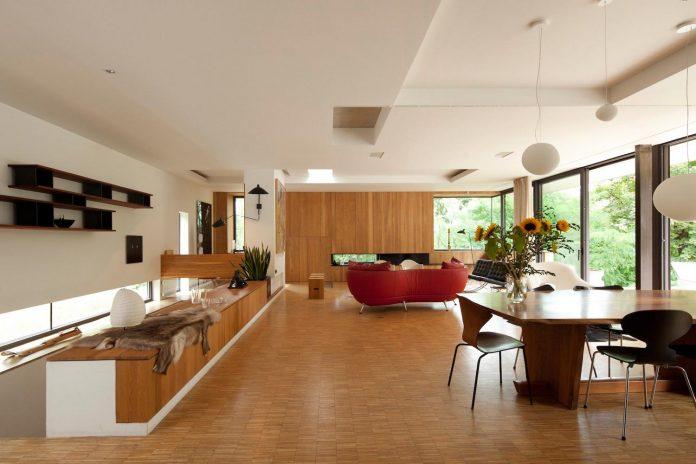 rooms-house-charbonnieres-les-bains-natural-light-03