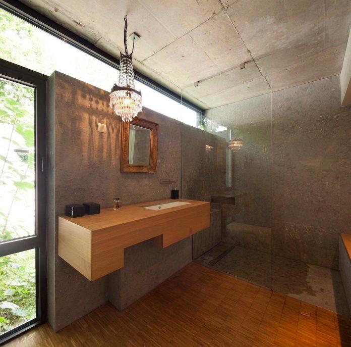 rooms-house-charbonnieres-les-bains-natural-light-06