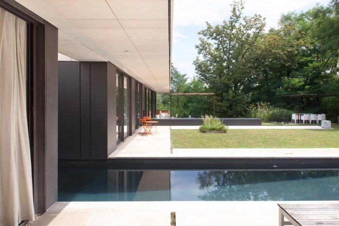 rooms-house-charbonnieres-les-bains-natural-light-11