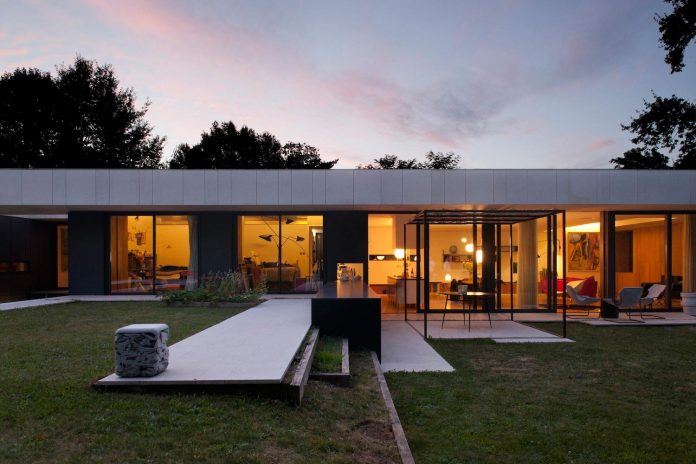 rooms-house-charbonnieres-les-bains-natural-light-13