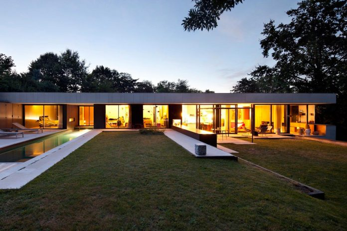 rooms-house-charbonnieres-les-bains-natural-light-14