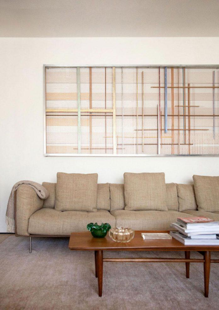 sao-paulo-penthouse-design-order-create-cozy-solemn-atmosphere-03