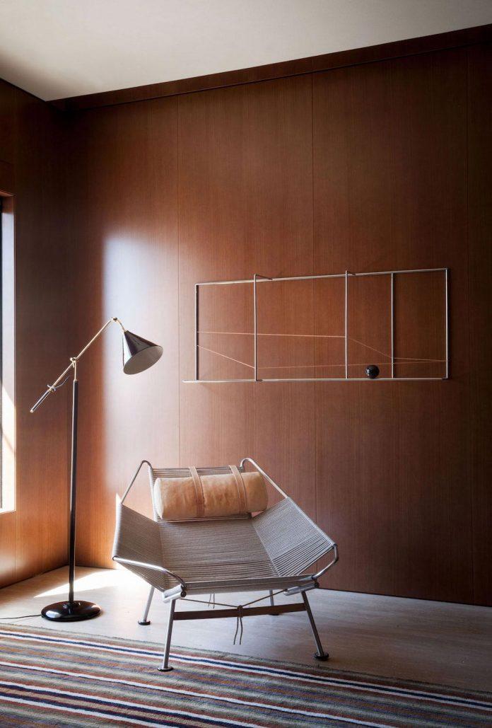 sao-paulo-penthouse-design-order-create-cozy-solemn-atmosphere-10