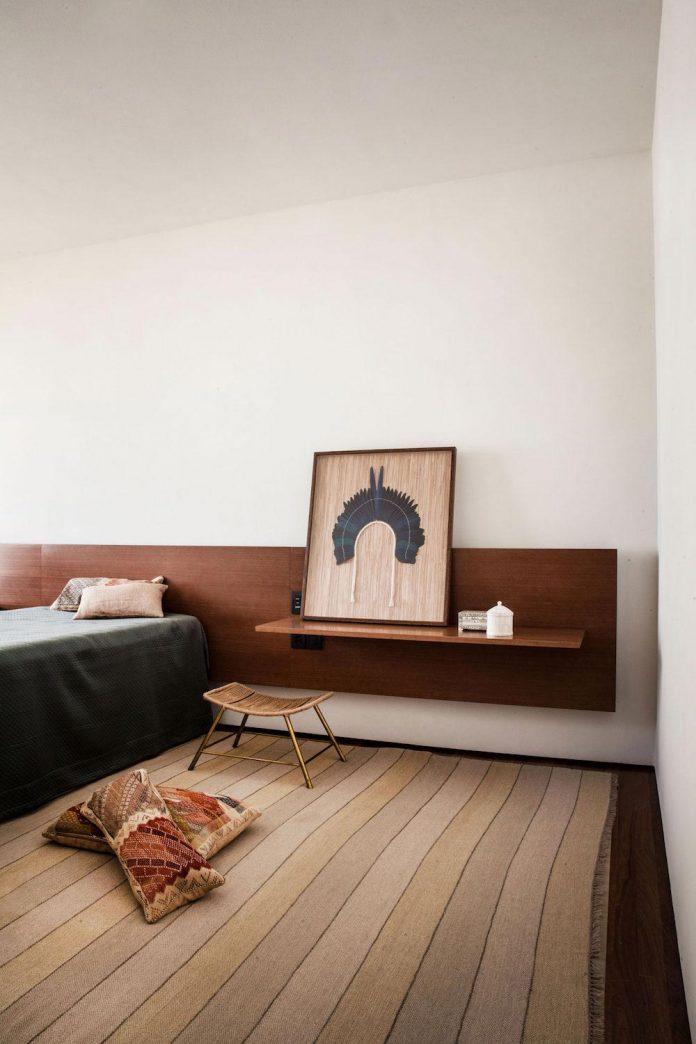 sao-paulo-penthouse-design-order-create-cozy-solemn-atmosphere-12