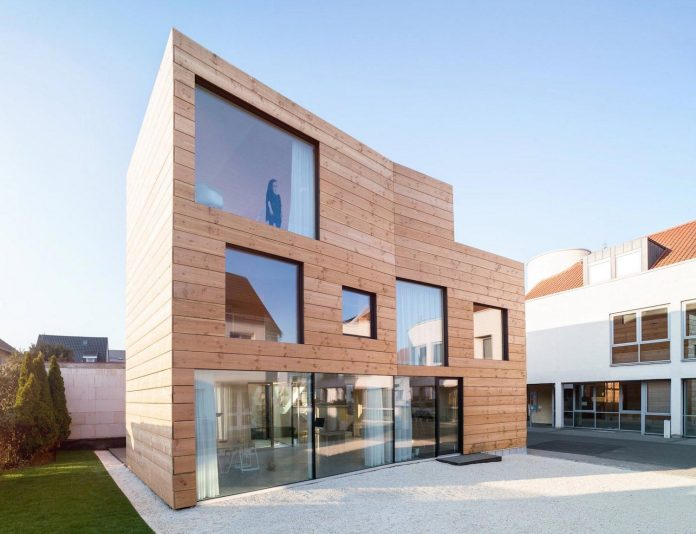 scl-holzmassivhaus-ecological-solid-wood-structure-flexible-usage-22