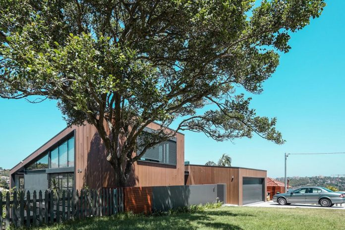 seaforth-house-two-cubes-residence-located-sydneys-stunning-northern-beaches-01