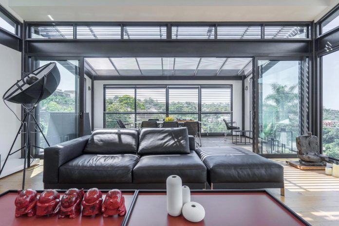 seaforth-house-two-cubes-residence-located-sydneys-stunning-northern-beaches-11