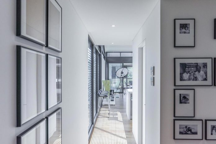 seaforth-house-two-cubes-residence-located-sydneys-stunning-northern-beaches-12