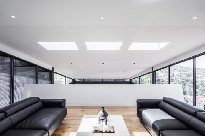 seaforth-house-two-cubes-residence-located-sydneys-stunning-northern-beaches-19