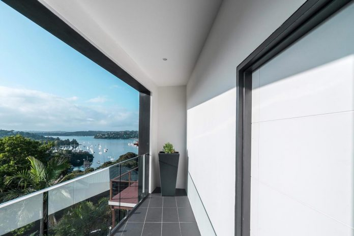 seaforth-house-two-cubes-residence-located-sydneys-stunning-northern-beaches-21