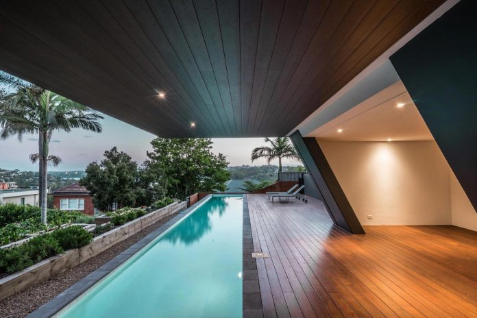 seaforth-house-two-cubes-residence-located-sydneys-stunning-northern-beaches-22