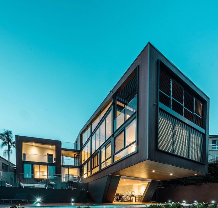 seaforth-house-two-cubes-residence-located-sydneys-stunning-northern-beaches-23